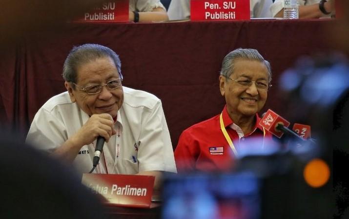 Najib Akhiri Teori RAHMAN, Perdana Menteri Seterusnya adalah Tun Dr Mahathir