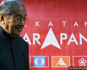 Pembangkang: SPR larang gambar Mahathir di poster HARAPAN