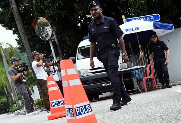 Kediaman Najib Razak masih dikawal ketat