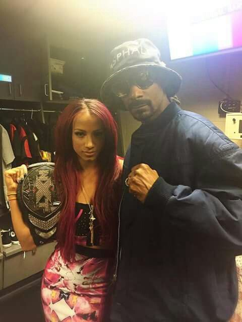 Sasha Banks & Cousin Snoop Dogg