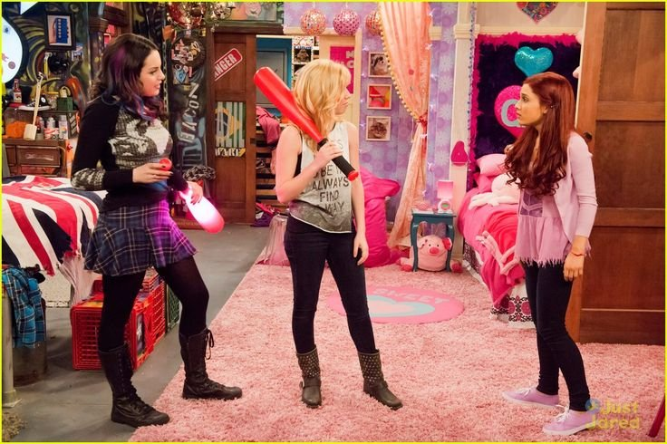 Grasp the Wonderful Funny Sam and Cat Pictures