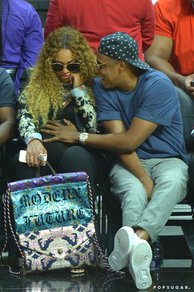 April JAY Z Adorably Rubbed Beyoncés Belly Clippers Game