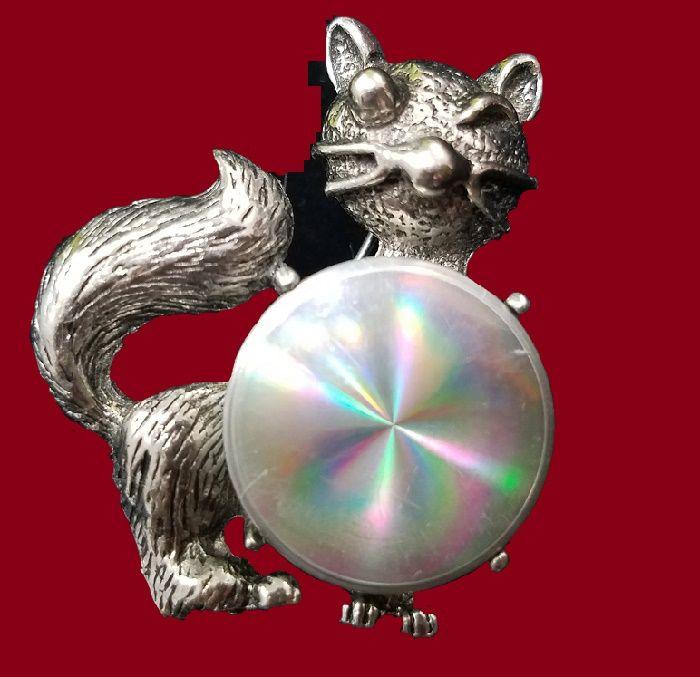 Funny Winking Cat brooch 1960s