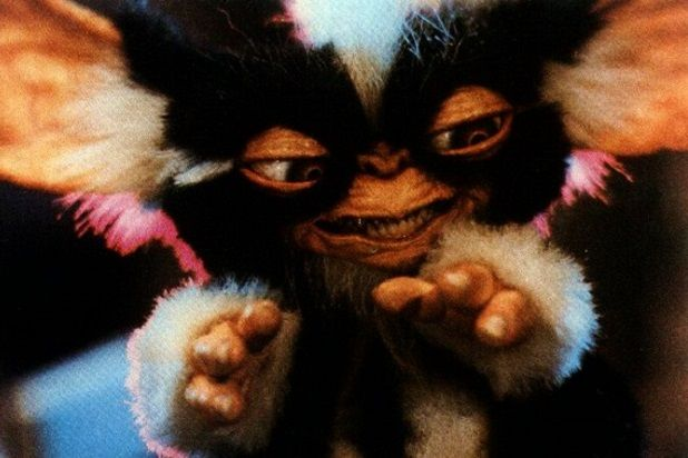stranger things 2 movie references gremlins